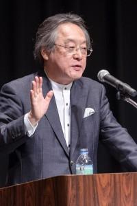 「白熱講義」する小林節慶大名誉教授
